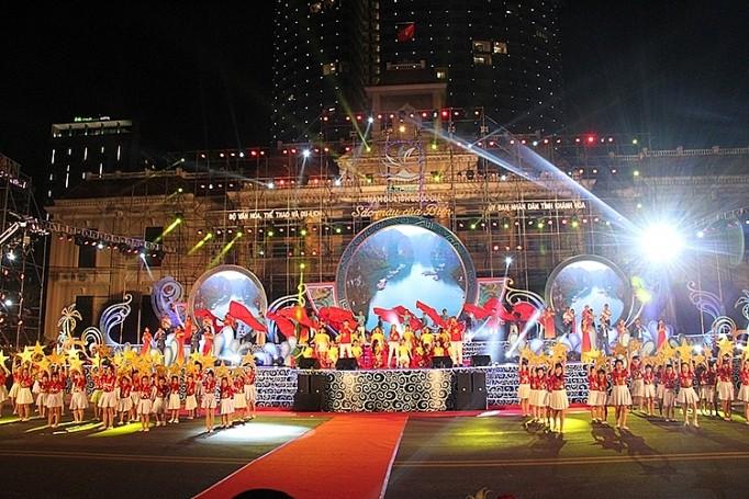 Cierran Año Nacional de Turismo 2019 en Nha Trang - ảnh 1