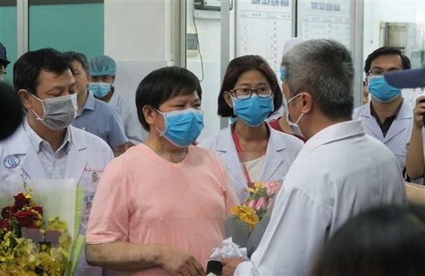 Paciente chino infectado con coronavirus recibe alta médica en Vietnam  - ảnh 1