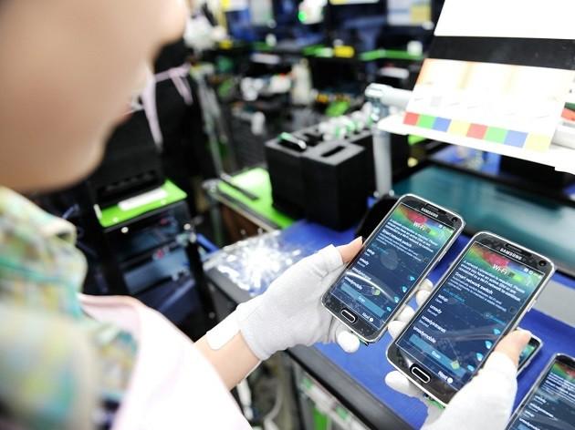 Teléfonos móviles, principal contribuyente al valor de exportaciones de Vietnam - ảnh 1