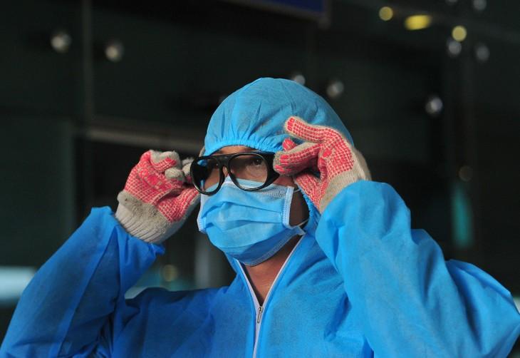 Donan fondos para apoyar al equipo médico en combate contra coronavirus - ảnh 1