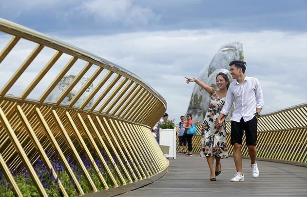 Puente Dorado de Da Nang, uno de los más bellos del mundo - ảnh 11