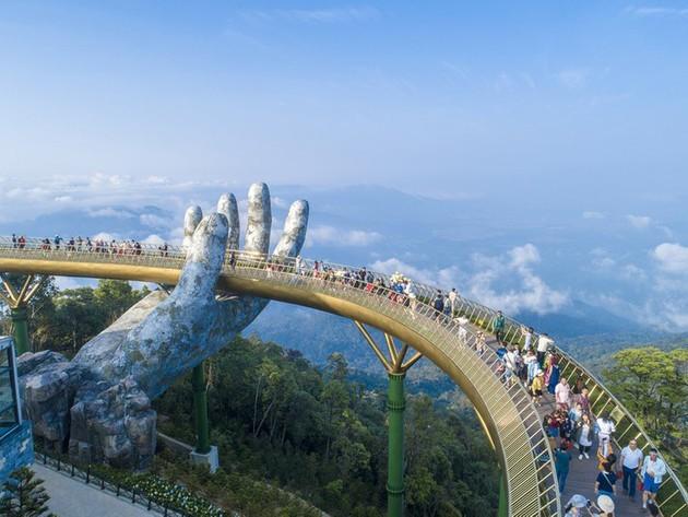 Puente Dorado de Da Nang, uno de los más bellos del mundo - ảnh 7