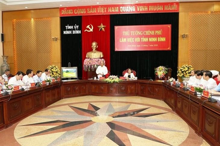 Abordan el desembolso de capital de inversión pública en la provincia de Ninh Binh - ảnh 1