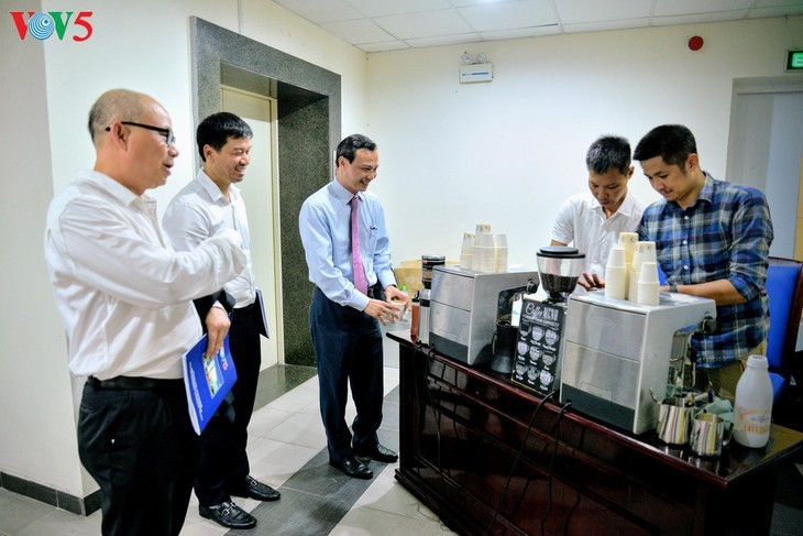 Foro en línea sobre el acuerdo de libre comercio entre Vietnam y la UE - ảnh 9