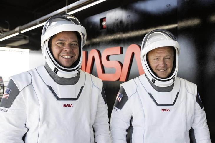 Astronautas estadounidenses regresan con éxito a la Tierra - ảnh 1