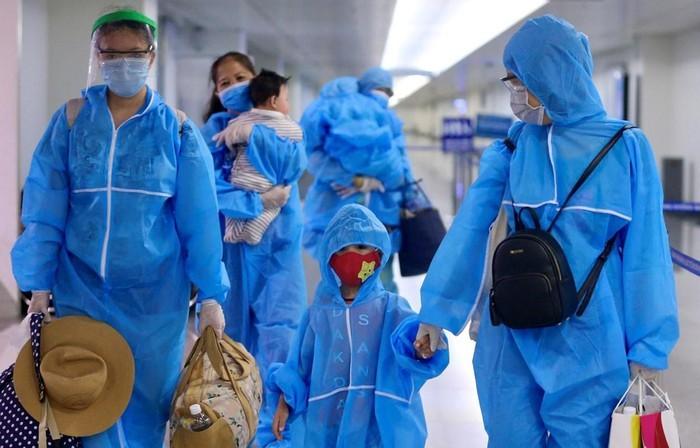 Ciudadanos vietnamitas varados en Da Nang por covid-19 regresan a Ciudad Ho Chi Minh - ảnh 1