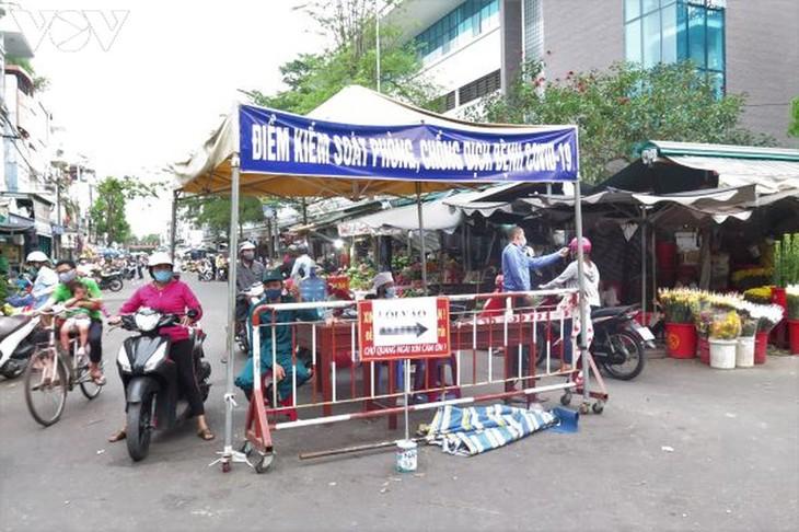 Quang Ngai mantiene el distanciamiento social - ảnh 1