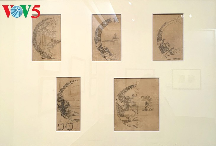 Exhibición sobre la historia del emblema nacional de Vietnam   - ảnh 4