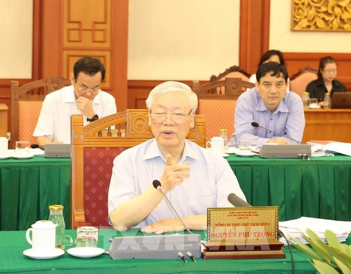 Buró Político del Partido Comunista de Vietnam sesiona con Ciudad Ho Chi Minh sobre temas importantes - ảnh 1