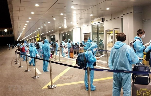 Traen de regreso a casa a ciudadanos vietnamitas desde Uzbekistán - ảnh 1