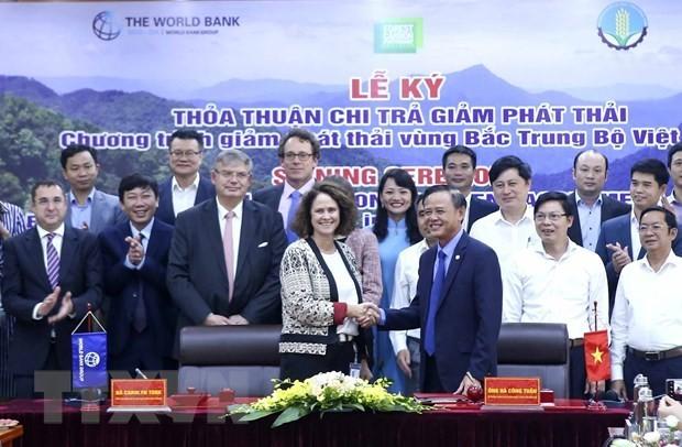 Vietnam y el Banco Mundial firman acuerdo de reducción de emisiones - ảnh 1