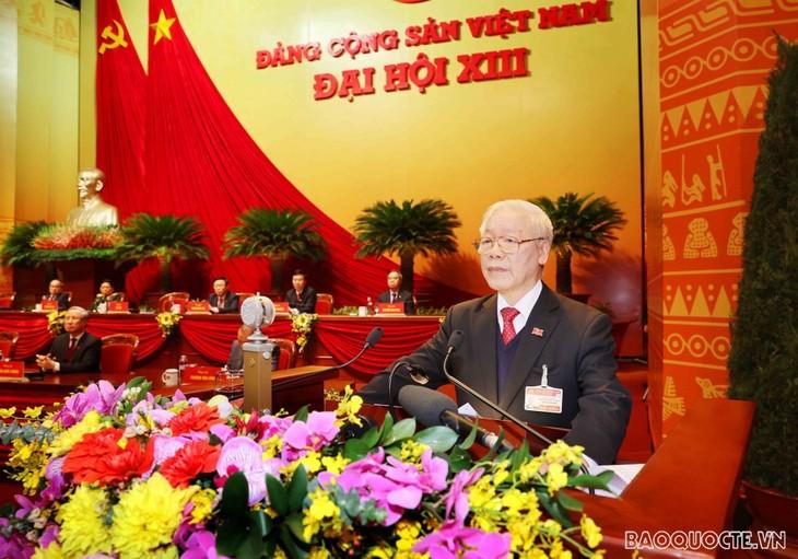 Dirigente político vietnamita continúa recibiendo felicitaciones de líderes internacionales  - ảnh 1