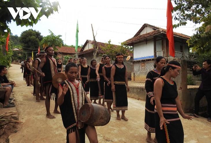 Preservan el valor del espacio cultural Gong de las Tierras Altas Centrales de Vietnam - ảnh 1