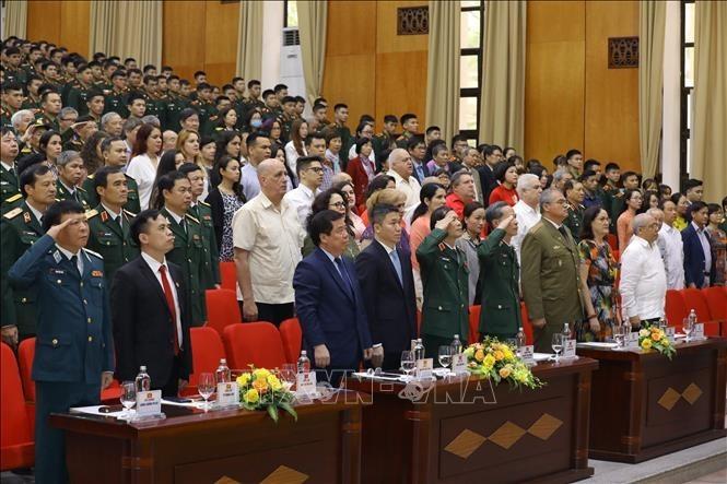 Celebran en Hanói el 60 aniversario de la Victoria de Girón - ảnh 1