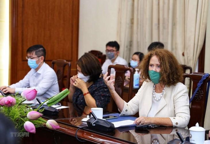 Banco Mundial continúa ayudando a Vietnam a resolver problemas fundamentales de seguridad social - ảnh 1