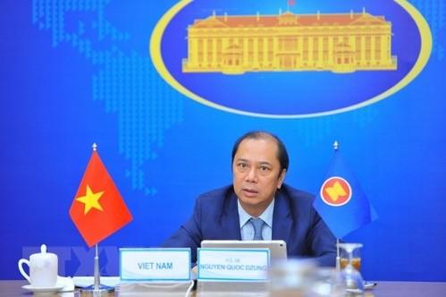 Participa Vietnam en reuniones importantes de la Asean - ảnh 1