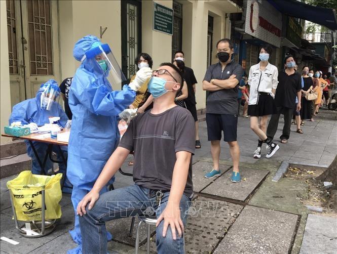 Vietnam registra más de 5 mil nuevos casos de covid-19 durante las últimas 24 horas - ảnh 1
