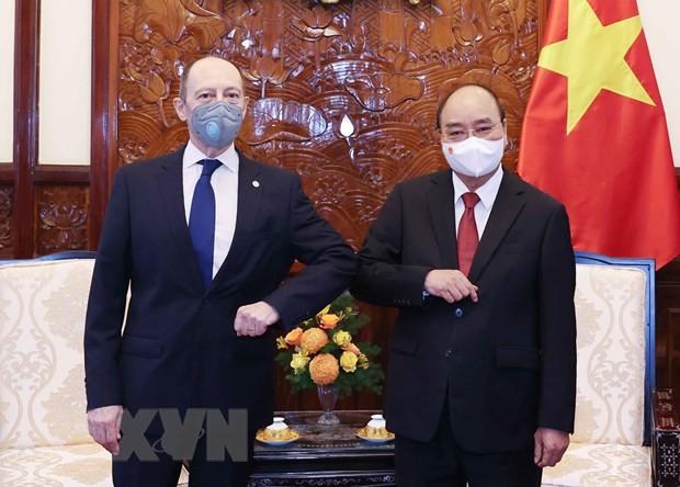 Embajador de Uruguay desea impulsar relaciones con Vietnam - ảnh 1
