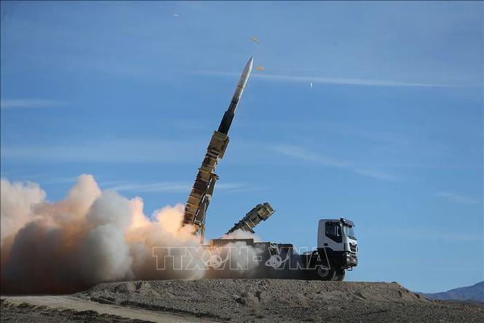 伊朗证实最近试射中程弹道导弹 - ảnh 1