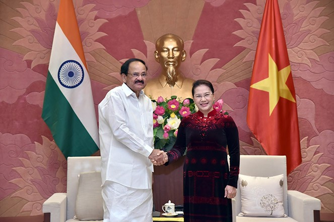 阮氏金银会见印度副总统奈杜 - ảnh 1