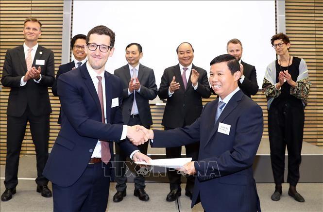 阮春福出席越南-挪威企业论坛 - ảnh 1