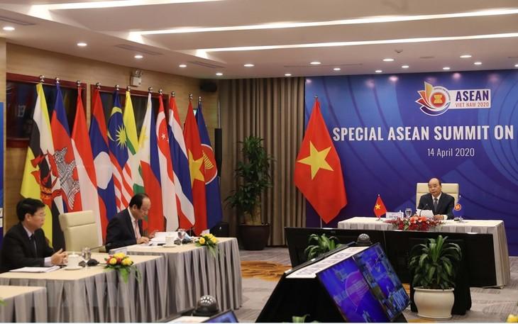 各国媒体纷纷报道东盟及东盟与中日韩领导人特别会议 - ảnh 1