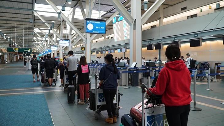 越南公民从加拿大和韩国安全回国 - ảnh 1