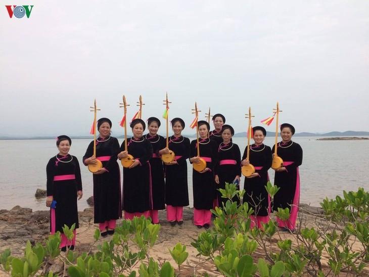 优秀艺人何梅边——谅山省的斯离云雀 - ảnh 2