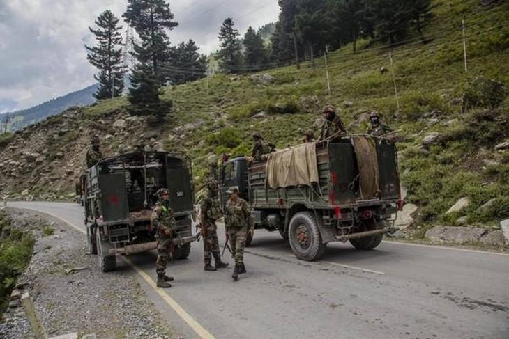 印度和中国军队在对峙中保持联络 - ảnh 1