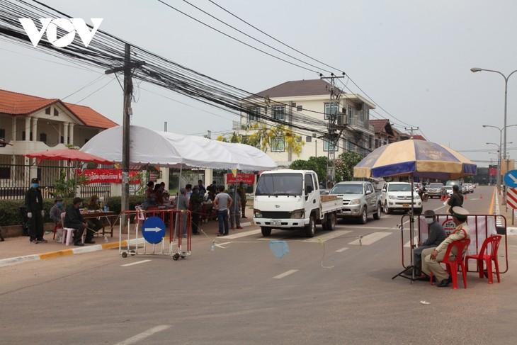 老挝总理发布紧急命令 万象市对外交通暂时封闭 - ảnh 1