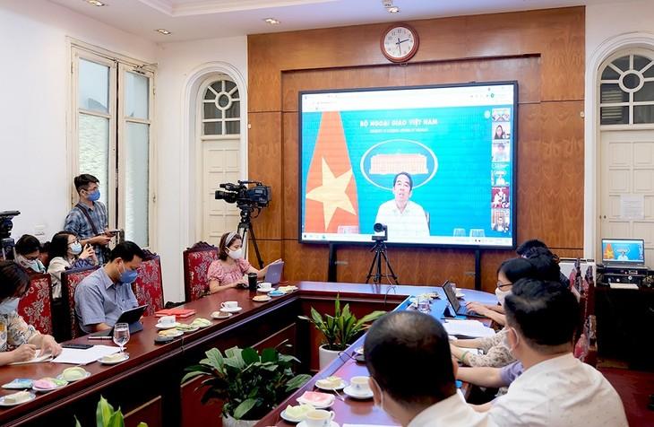 同越南驻外代表机构对接  推介旅游、吸引外国游客 - ảnh 1