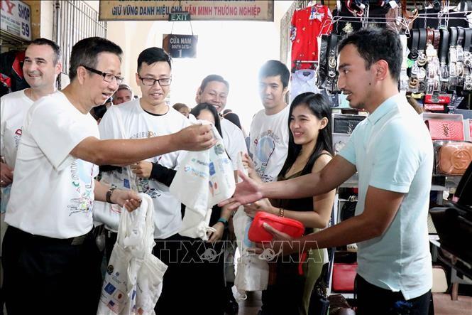 Hô Chi Minh-ville campagne pour mettre fin à la pollution plastique   - ảnh 1