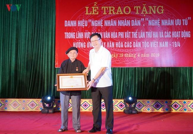 Hoàng Hoa, le héraut des cultures Tày et Nùng - ảnh 2
