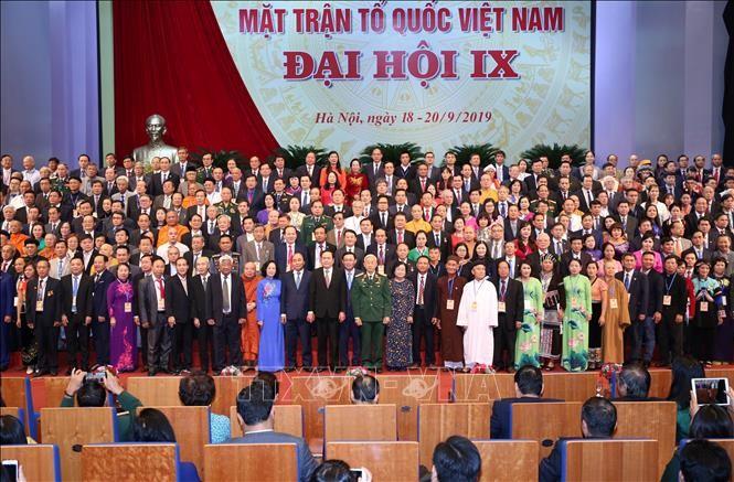 Clôture du 9e congrès national du Front de la Patrie du Vietnam - ảnh 1