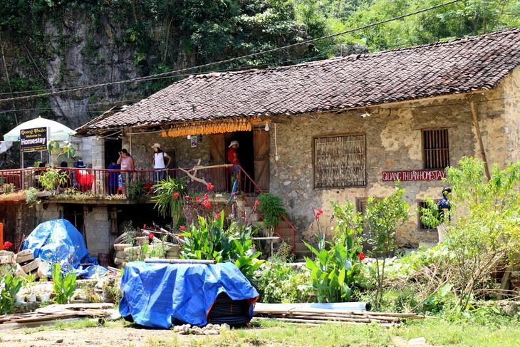 Khuôi Ky, le village des maisons sur pilotis en pierre - ảnh 2