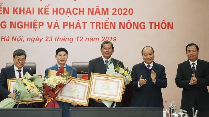 Nguyên Xuân Phuc: l'agriculture doit devenir un secteur phare des exportations - ảnh 1