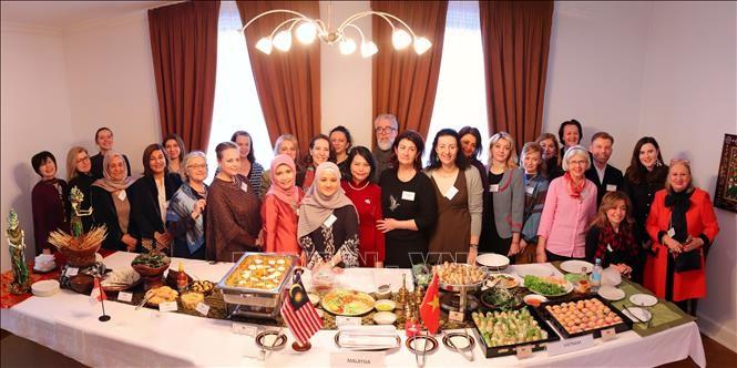 Présidence vietnamienne de l'ASEAN 2020 : l'ASEAN promeut sa culture en Ukraine - ảnh 1