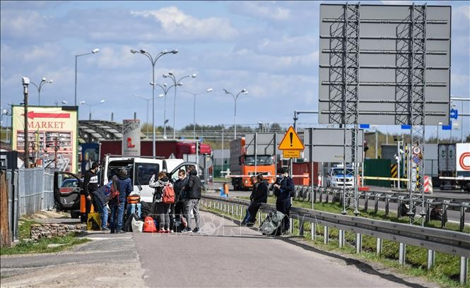 Les frontières externes de l'Union européenne devraient rester quasi-fermées jusqu'au 15 juin - ảnh 1
