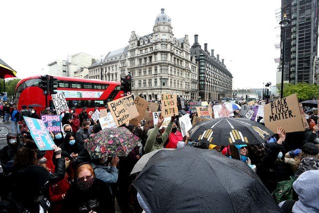 De Washington à Paris, mobilisation massive contre le racisme  - ảnh 4