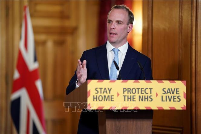 Coronavirus: Londres rétablit la quatorzaine pour tous les voyageurs venant d'Espagne - ảnh 1