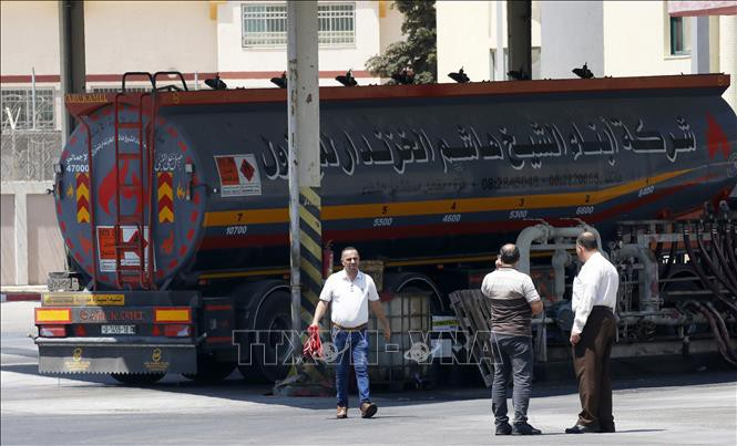 Israël accentue la pression sur Gaza après une vague de ballons incendiaires - ảnh 1