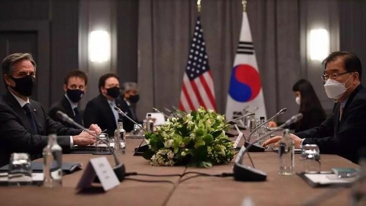 A Londres, Chung Eui-yong et Antony Blinken échangent sur la politique nord-coréenne - ảnh 1