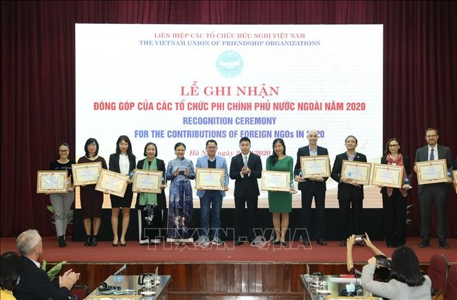 Foreign NGOs provide 250 million USD to Vietnam in 2020 - ảnh 1