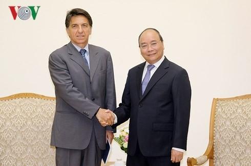 Nguyên Xuân Phuc reçoit l'ambassadeur de Grèce au Vietnam - ảnh 1
