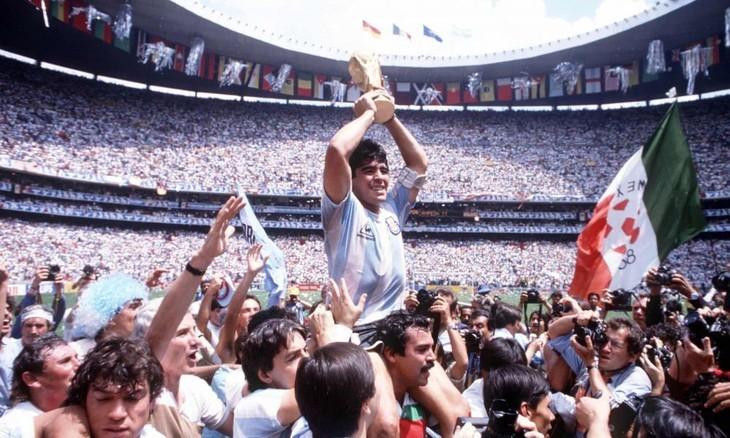 Diego Maradona, une vie et une carrière en images  - ảnh 1