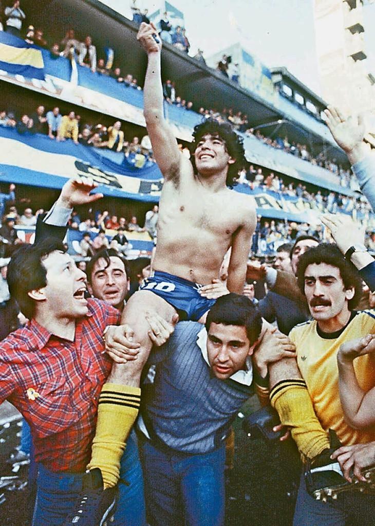 Diego Maradona, une vie et une carrière en images  - ảnh 6