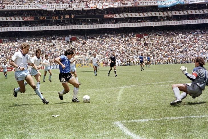 Diego Maradona, une vie et une carrière en images  - ảnh 9
