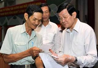 Staatspräsident trifft Wähler in Ho Chi Minh Stadt - ảnh 1