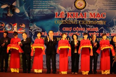 Eröffnung der internationalen Technologiemesse in Hanoi - ảnh 1