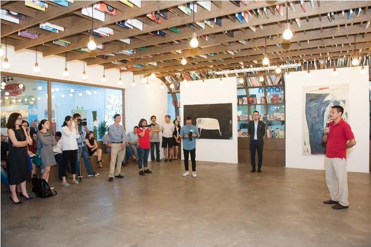 AIA Vietnam Eye: Ausstellung der ländlichen Farben des Künstlers Ha Tri Hieu - ảnh 1